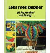 Leka med papper
